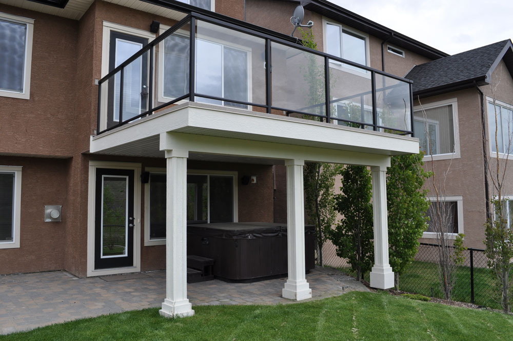 Three Column Glass Aluminum Deck
